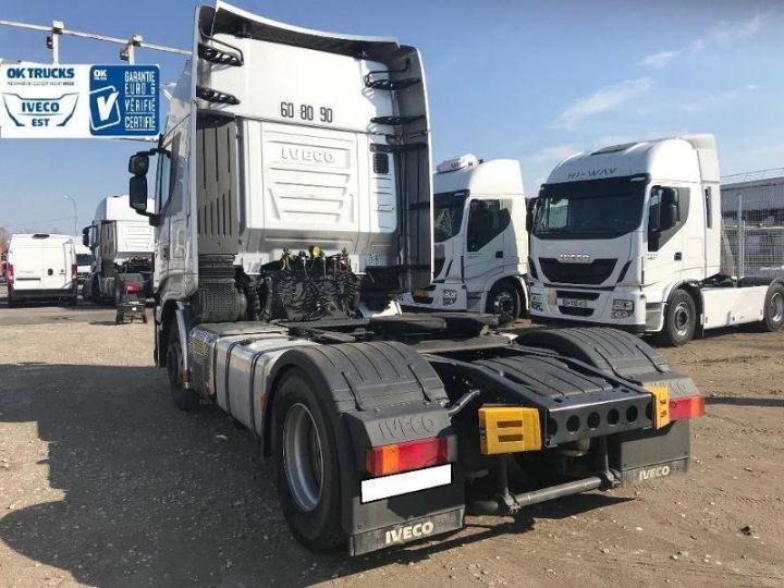 Camión tractor Iveco Stralis Hi-Way AS440S46 TP E6 - offre de location 998 Euro HT x 36 mois* Gris Clair Métal - 4
