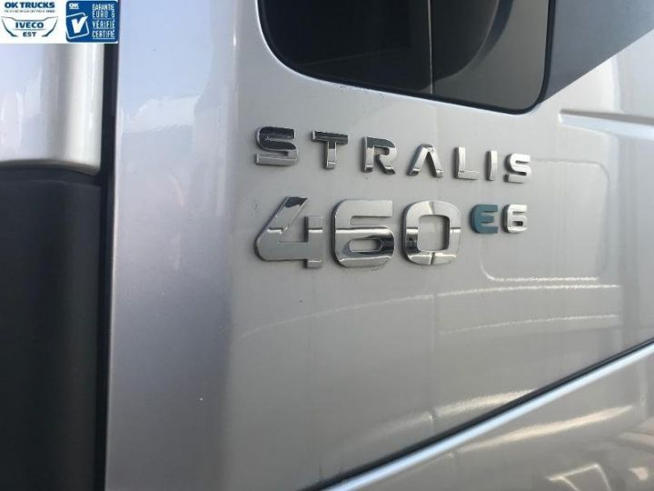 Camión tractor Iveco Stralis Hi-Way AS440S46 TP E6 - offre de location 998 Euro HT x 36 mois* Gris Clair Métal - 5