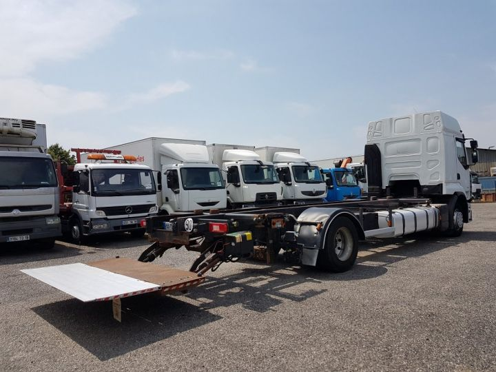 Camión Renault Premium Transporte de contenedores 410dxi.19 CAISSE MOBILE 7m80 BLANC - 3