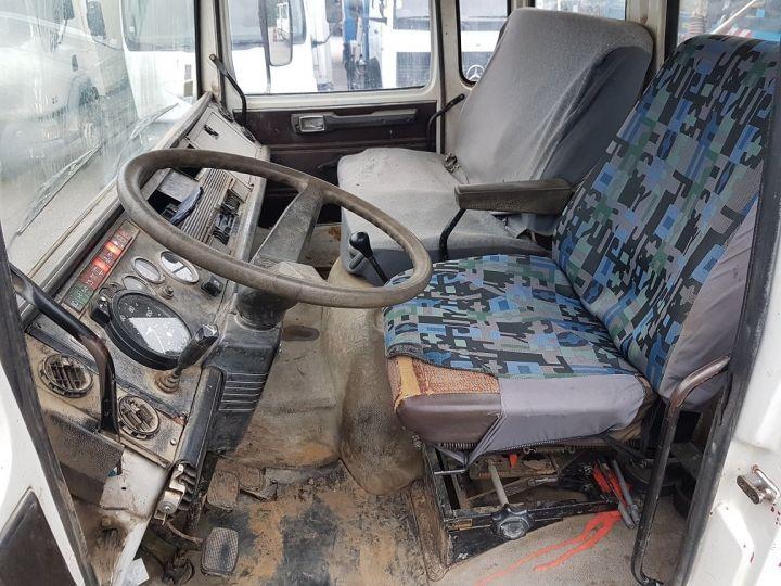 Camión Renault J Volquete trasero P 11 BENNE BLANC - 18