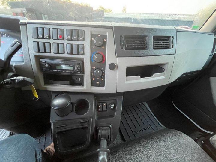 Camión Volvo FL 280 FOURGON HAYON ELEVATEUR BLANC - 12