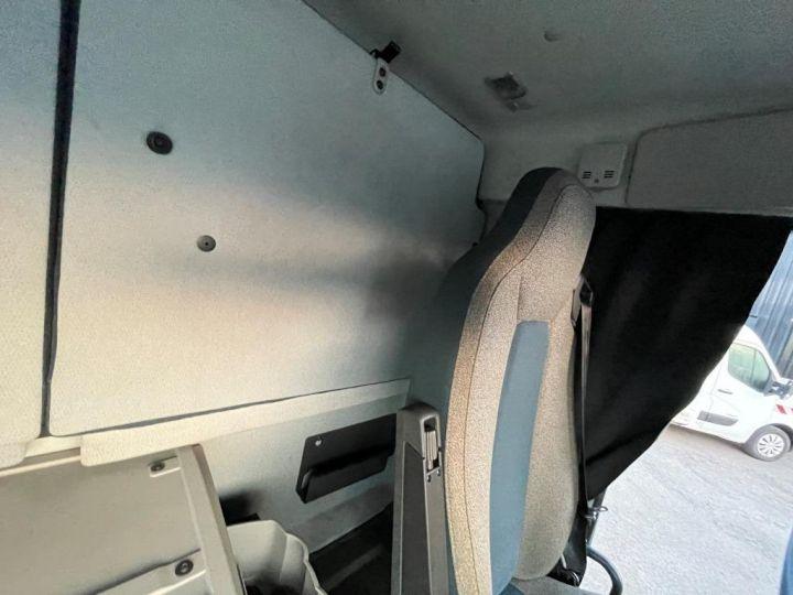 Camión Volvo FL 280 FOURGON HAYON ELEVATEUR BLANC - 14