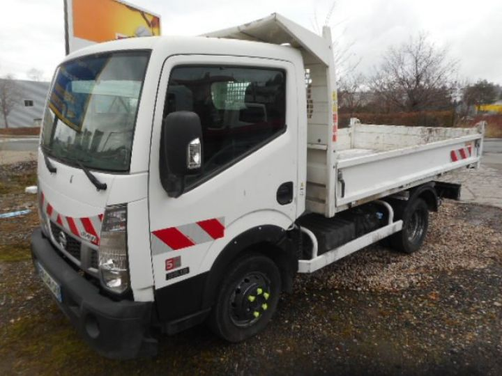 Chassis + body Nissan Cabstar Back Dump/Tipper body NT400 35.13 BENNE  - 1