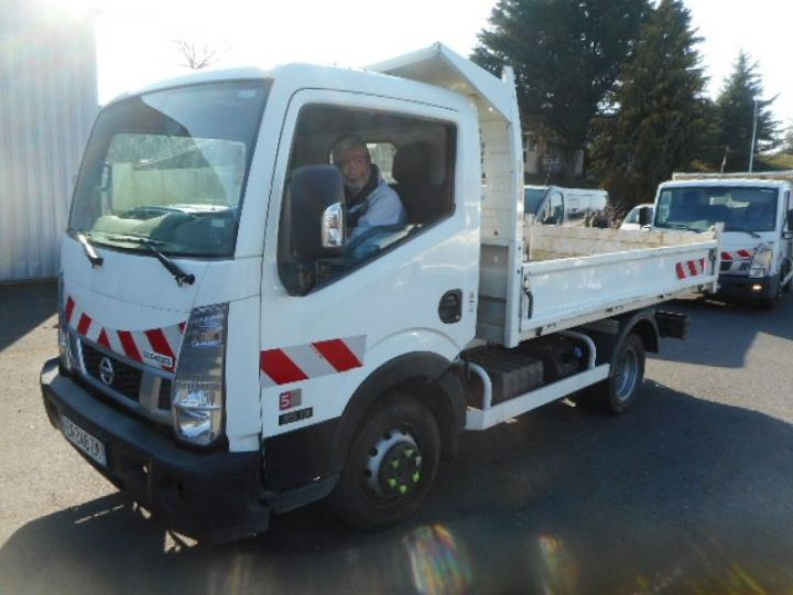 Chassis + body Nissan Cabstar Back Dump/Tipper body NT400 35.13 BENNE  - 2