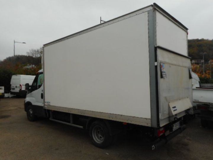 Chassis + body Iveco CF75 Box body + Lifting Tailboard 35C16 CAISSE + HAYON  - 2