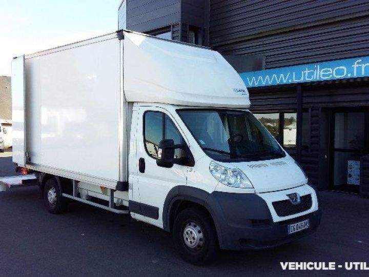 Chassis + body Peugeot Boxer Box body + Lifting Tailboard 435 L4 2.2 HDI 130 CONFORT SR  - 1