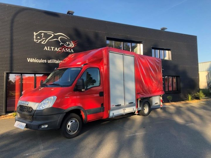 Chassis + body Iveco Daily Curtain side body BUREAU EXPO EVENEMENTIEL ROUGE - 1