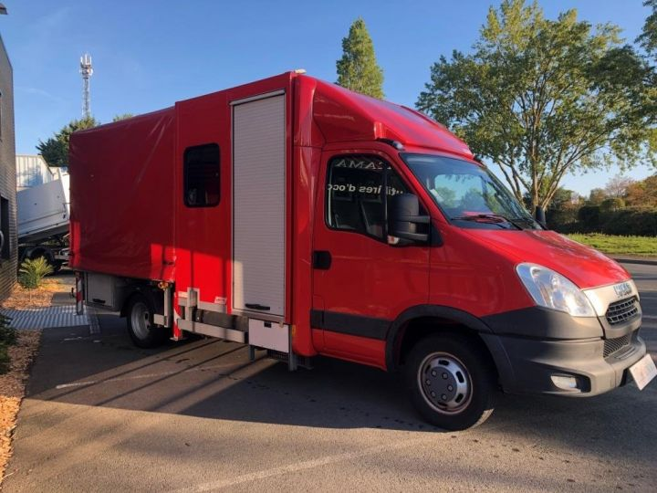Chassis + body Iveco Daily Curtain side body BUREAU EXPO EVENEMENTIEL ROUGE - 7