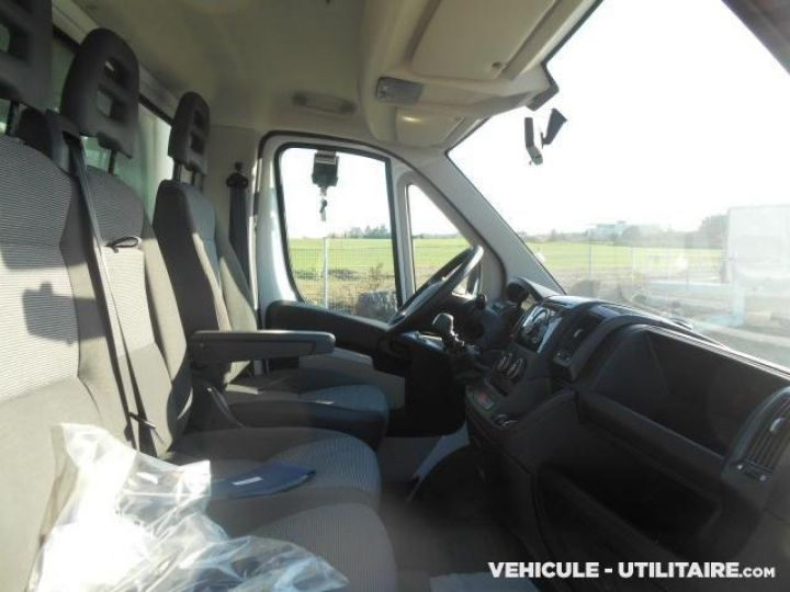 Chassis + body Peugeot Boxer Curtain side body 335 L3 HDi  - 9