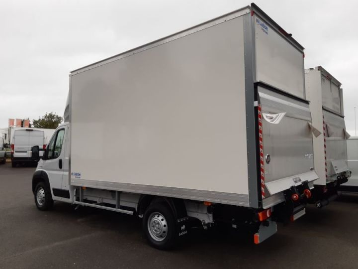 Chassis + body Fiat Ducato PRO LOUNGE BLANC - 2