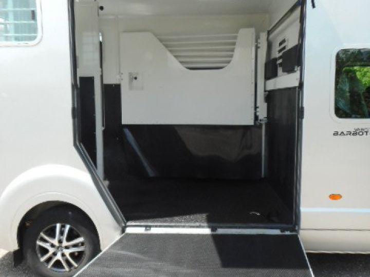Chassis + body Renault Master Horse van body DCI 150 VAN BARBOT  - 7