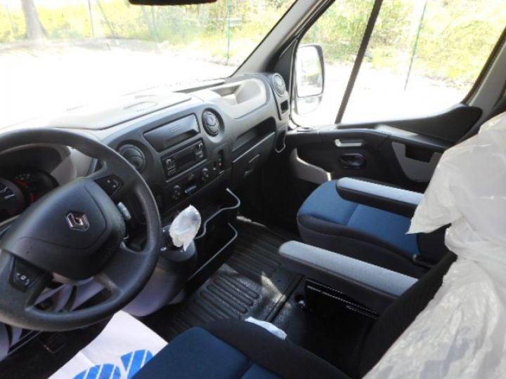 Chassis + body Renault Master Horse van body DCI 150 VAN BARBOT  - 10