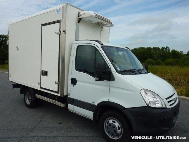 Chassis + body Iveco CF75 Refrigerated body 35C12  - 4