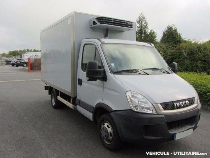 Chassis + body Iveco CF75 Refrigerated body 35C13  - 1
