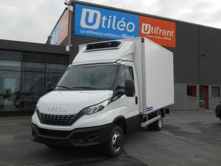 Chassis + body Iveco CF75 Refrigerated body 35C18 HPi TOR Blanc - 1