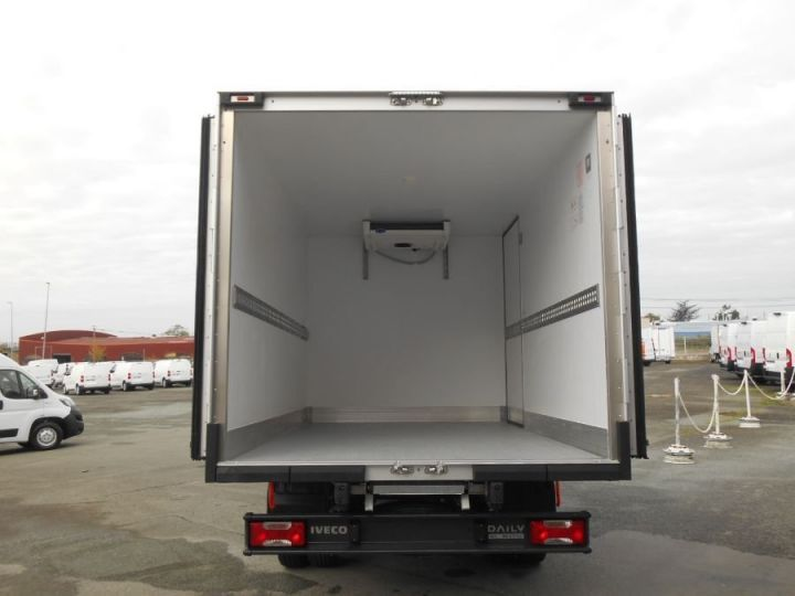 Chassis + body Iveco CF75 Refrigerated body 35C18 HPi TOR Blanc - 5