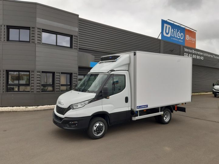 Chassis + body Iveco Daily Refrigerated body 35C16H CAISSE FRIGORIFIQUE EMPATTEMENT 3450 TOR BLANC - 1