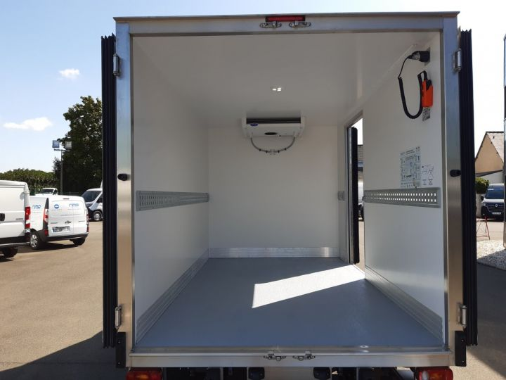 Chassis + body Opel Movano Refrigerated body 3500 L2 2.3 CDTI 145CH BITURBO START &STOP BLANC - 6
