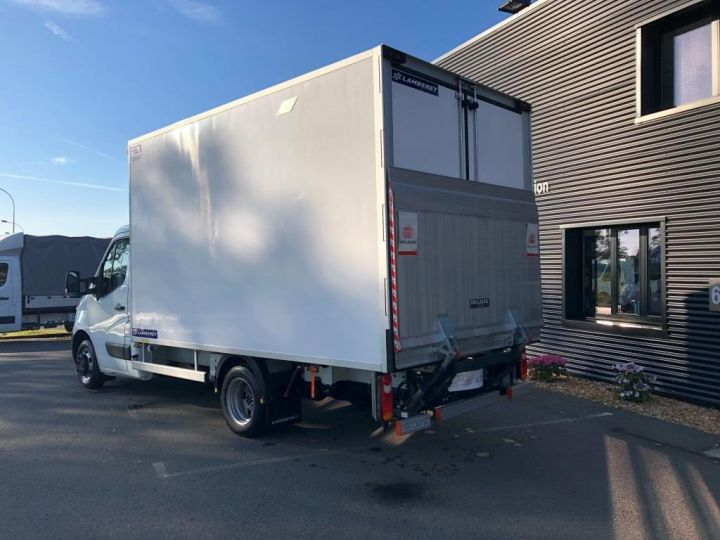 Chassis + body Renault Master Refrigerated van body 135 CV PENDERIE A VIANDE HAYON ELEVATEUR FRC X BLANC - 3