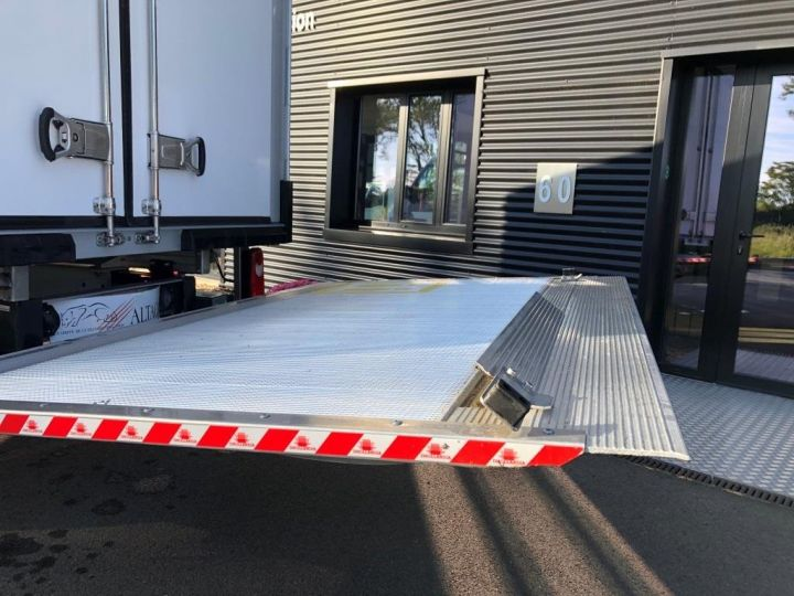 Chassis + body Renault Master Refrigerated van body 135 CV PENDERIE A VIANDE HAYON ELEVATEUR FRC X BLANC - 6