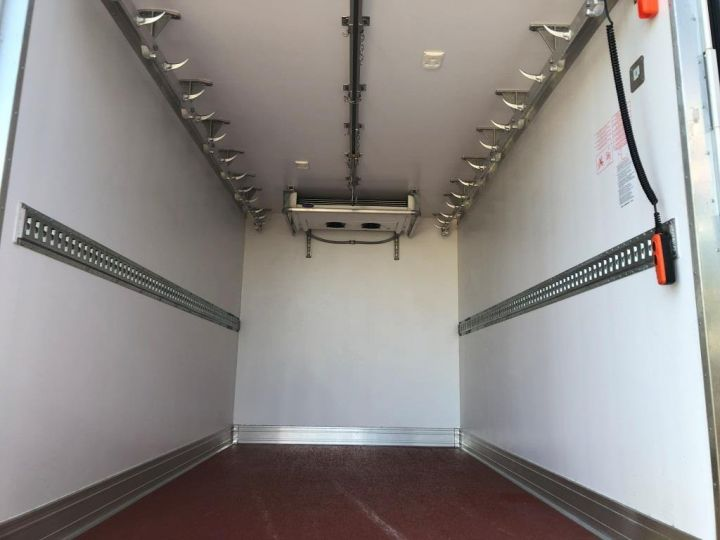 Chassis + body Renault Master Refrigerated van body 135 CV PENDERIE A VIANDE HAYON ELEVATEUR FRC X BLANC - 8