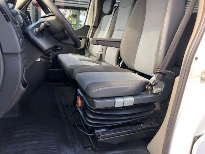 Chasis + carrocería Renault Master Caja abierta 125 DOUBLE CABINE PLATEAU  AVEC POTENCE BLANC - 9