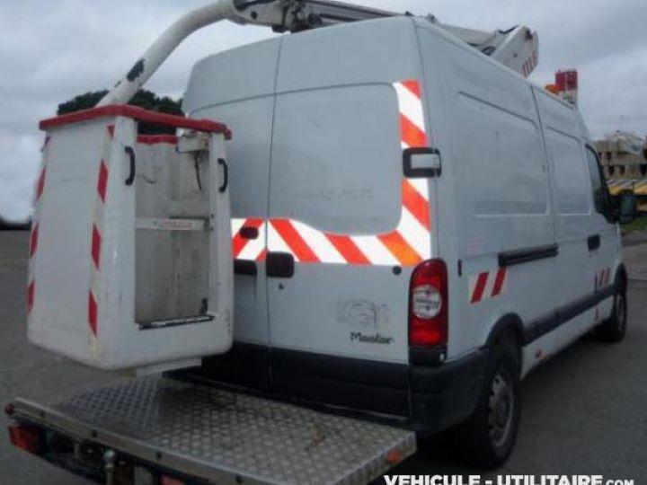 Chasis + carrocería Renault Master Elevadores de personas DCI 120  - 3