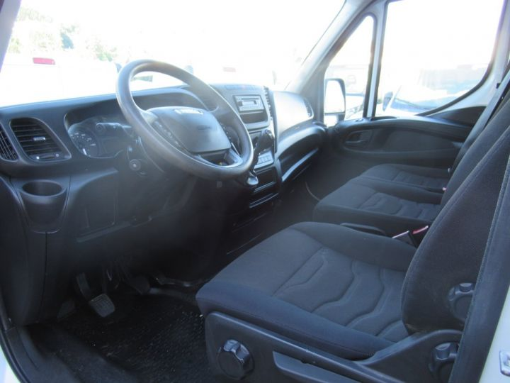 Chasis + carrocería Iveco Daily Volquete trasero 35C17 BENNE + COFFRE  - 5