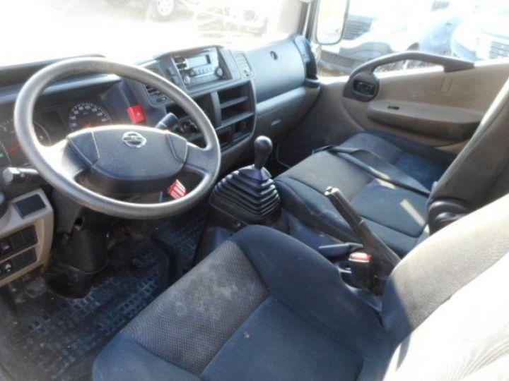 Chasis + carrocería Nissan Cabstar Volquete trasero NT400 35.13 BENNE  - 5