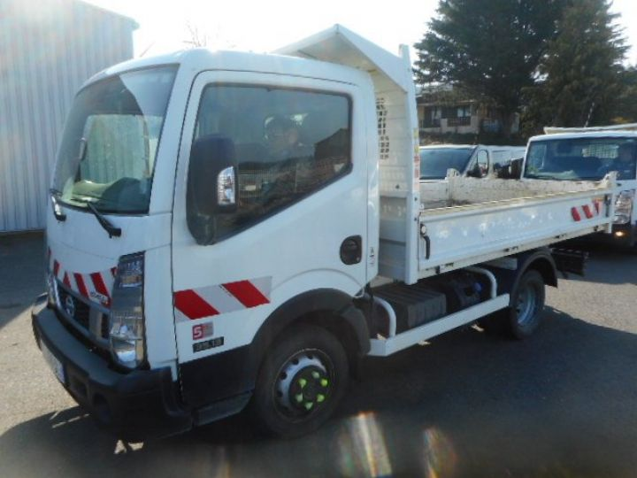 Chasis + carrocería Nissan Cabstar Volquete trasero NT400 35.13 BENNE  - 2