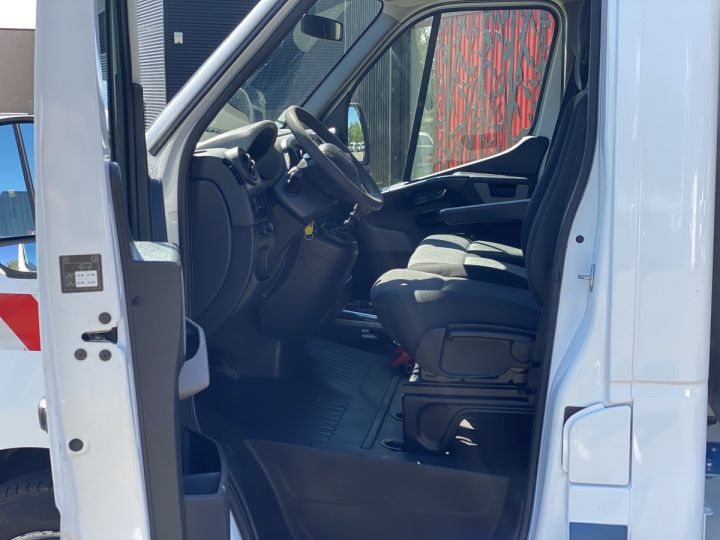 Chasis + carrocería Renault Master Volquete trasero 165 CV BENNE PAYSAGISTE COFFRE CROCHET BLANC - 9