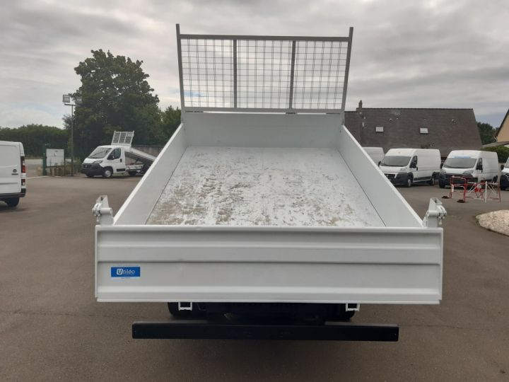 Chassis + carrosserie Iveco Benne Double Cabine 35C14 BLANC - 5