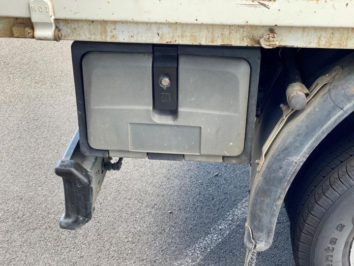 Chassis + carrosserie Iveco Daily Benne + grue 70 C 18 BENNE CHARGE UTILE 3T COFFRE GRUE CROCHET  BLANC - 18