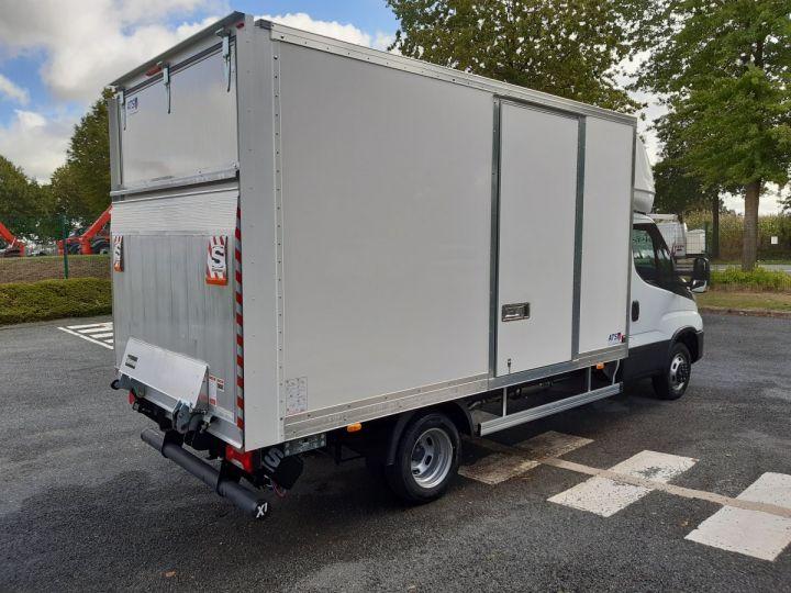 Chassis + carrosserie Iveco Daily Caisse fourgon + Hayon élévateur TOR 35C16H 3.0L 160CV BLANC - 3