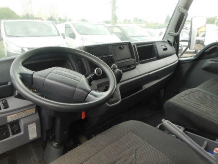 Chassis + carrosserie Mitsubishi Canter Caisse fourgon + Hayon élévateur 3C13 CAISSE + HAYON BOITE AUTOMATIQUE  - 6