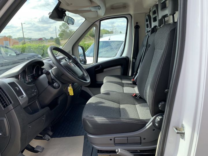 Chassis + carrosserie Fiat Ducato Chassis cabine 30m3  - 6