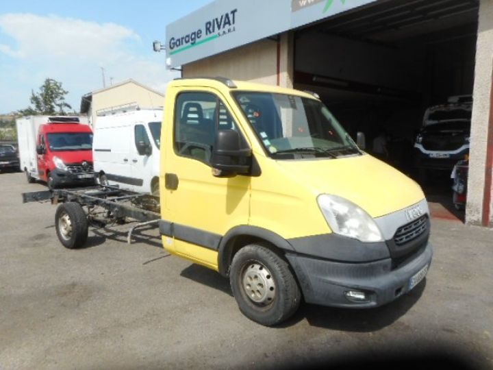 Chassis + carrosserie Iveco Daily Chassis cabine 35S13 CHASSIS  - 2