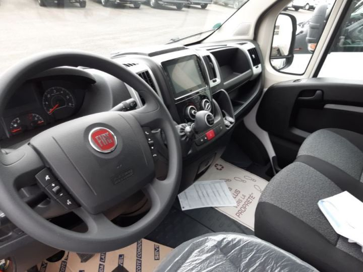 Chassis + carrosserie Fiat Ducato PRO LOUNGE BLANC - 4