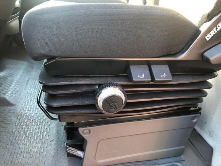 Chassis + carrosserie Iveco Daily Rideaux coulissants BUREAU EXPO EVENEMENTIEL ROUGE - 16