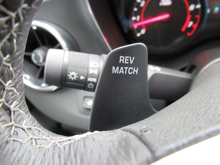 Chevrolet Camaro 6.2 V8 453CH Rouge - 17