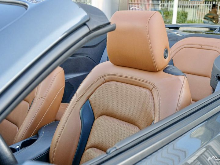 Chevrolet Camaro CHEVROLET CAMARO Convertible V8 6,2 L 2018 (Véhicule Europe) GRIS Vendu - 4