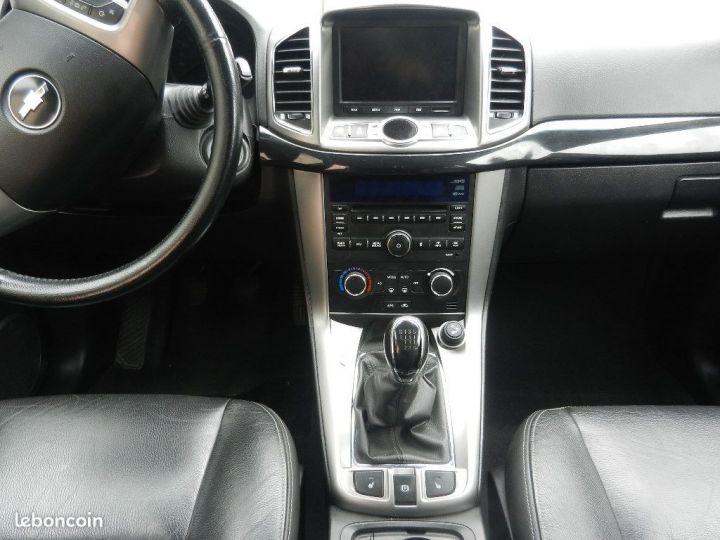 Chevrolet Captiva 2.2 16V.VCDI 4X4 finition LTZ Blanc - 9