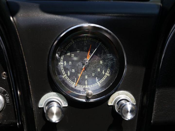 Chevrolet Corvette C2 CHEVROLET CORVETTE C2 STINGRAY CABRIOLET 6.9 427CI RESTAUREE A VOIR !! Gris Metal - 23