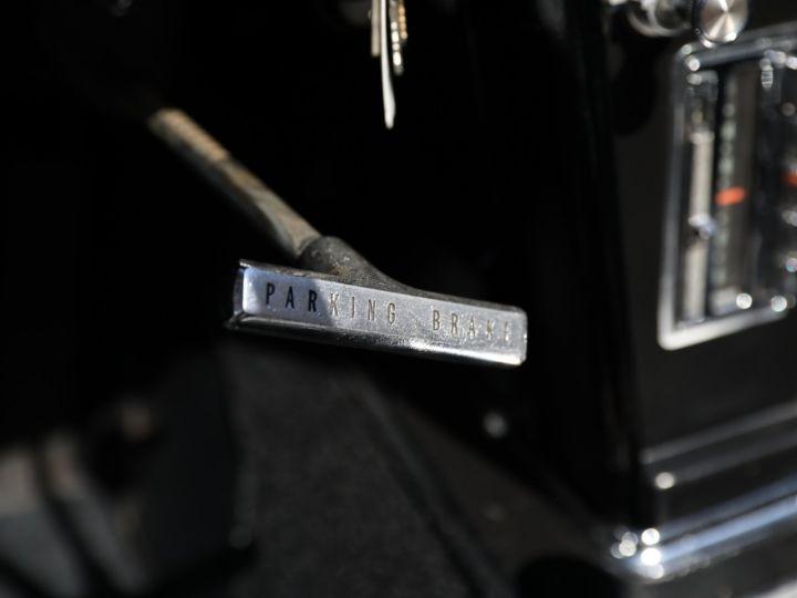 Chevrolet Corvette C2 CHEVROLET CORVETTE C2 STINGRAY CABRIOLET 6.9 427CI RESTAUREE A VOIR !! Gris Metal - 24