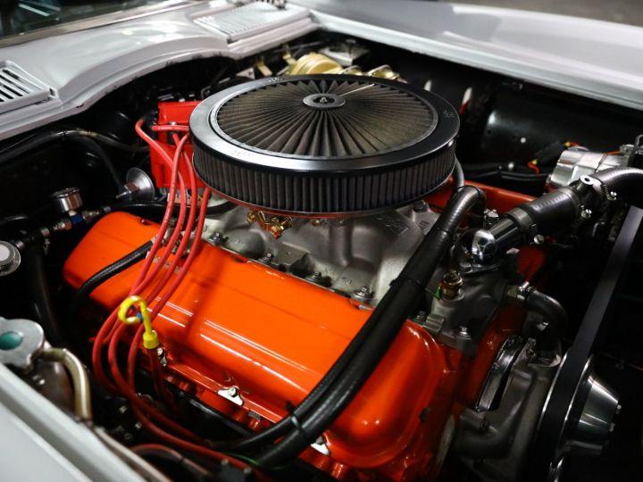 Chevrolet Corvette C2 CHEVROLET CORVETTE C2 STINGRAY CABRIOLET 6.9 427CI RESTAUREE A VOIR !! Gris Metal - 28