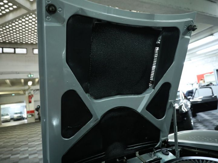 Chevrolet Corvette C2 CHEVROLET CORVETTE C2 STINGRAY CABRIOLET 6.9 427CI RESTAUREE A VOIR !! Gris Metal - 36