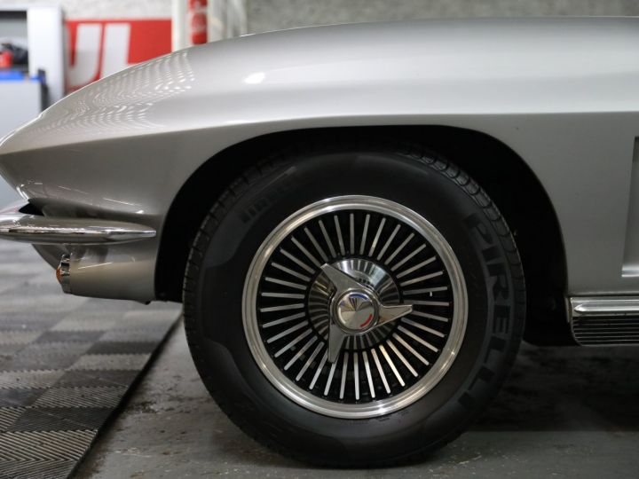 Chevrolet Corvette C2 CHEVROLET CORVETTE C2 STINGRAY CABRIOLET 6.9 427CI RESTAUREE A VOIR !! Gris Metal - 42