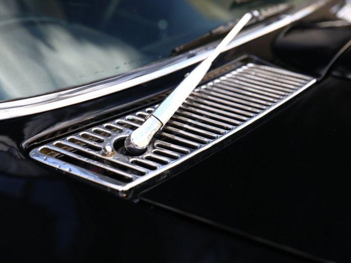 Chevrolet Corvette C2 CHEVROLET CORVETTE C2 STINGRAY COUPE 1965 350CI BOITE 4 Noir - 21