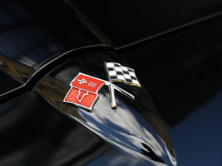 Chevrolet Corvette C2 CHEVROLET CORVETTE C2 STINGRAY COUPE 1965 350CI BOITE 4 Noir - 16