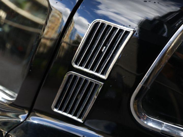 Chevrolet Corvette C2 CHEVROLET CORVETTE C2 STINGRAY COUPE 1965 350CI BOITE 4 Noir - 27